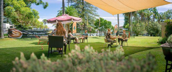 avoca beach theatre garden area